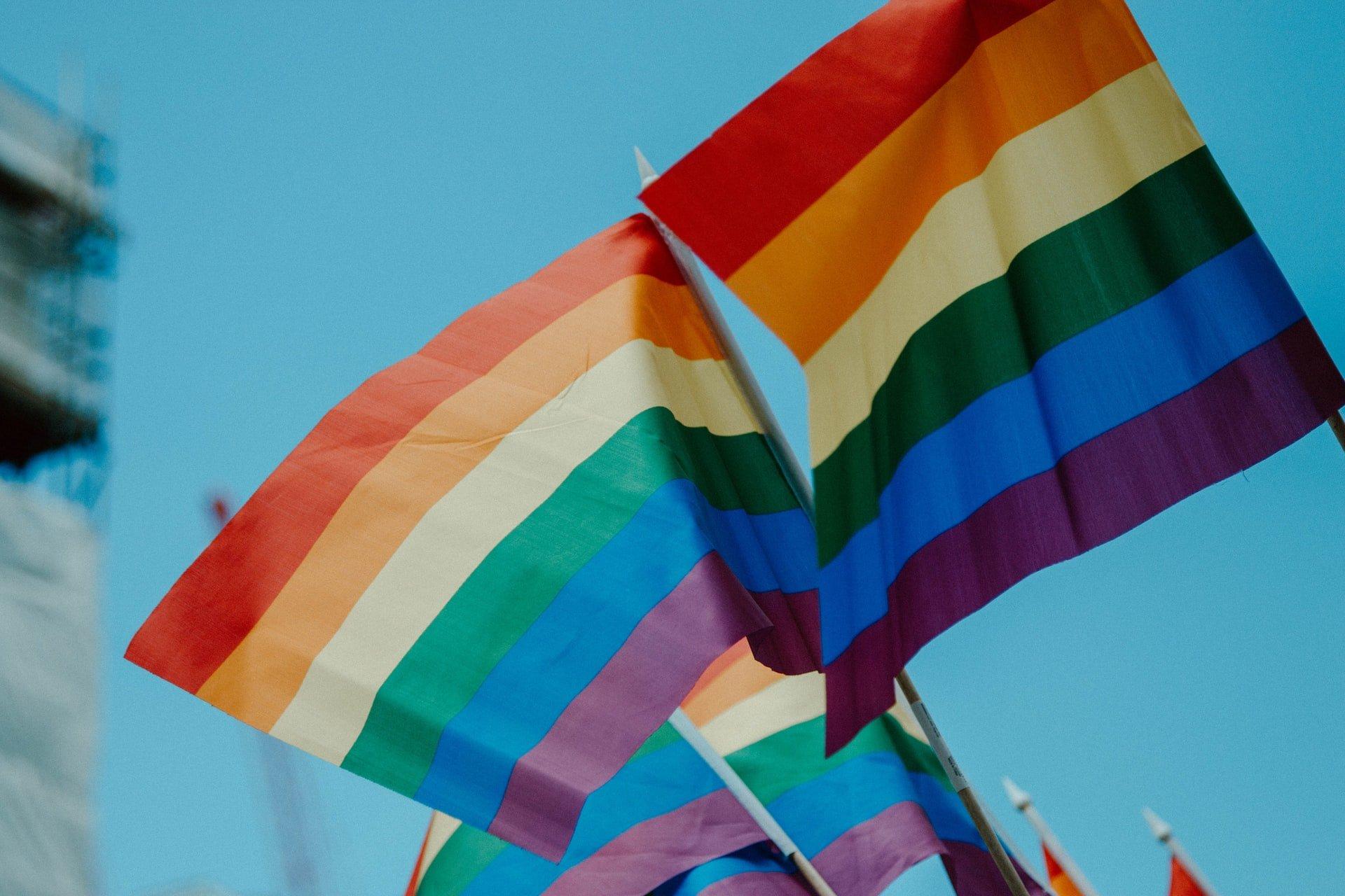 Šodien tiek atzīmēta Starptautiskā diena cīņai pret homofobiju, transfobiju un bifobiju (#IDAHOBIT)