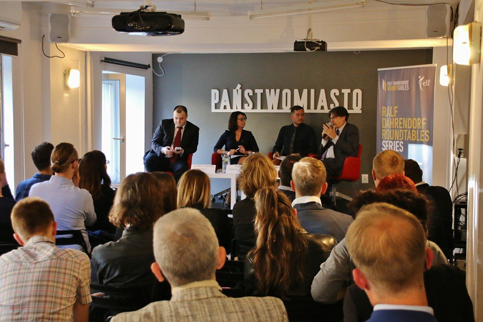 Jaunatnes nodaļas priekšsēdētājs viesojas Varšavā