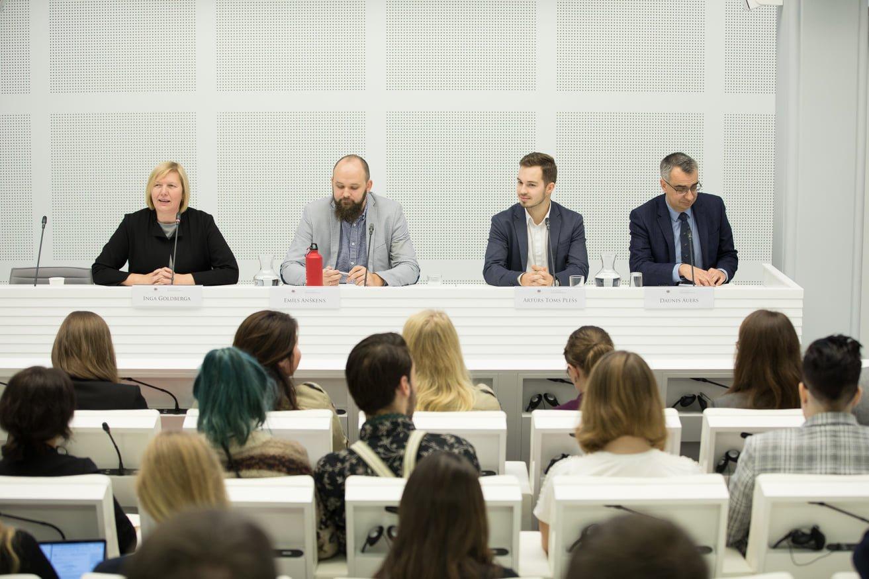 """Saeimā norisinājās Valsts pārvaldes un pašvaldības komisijas rīkots darba seminārs """"Balsstiesības no 16"""""""